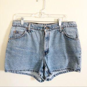 3/30 Vintage Levi's High Waisted Denim Shorts